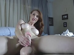 Golpea a videosdemadurasx mi chica con un vaso gigante.