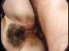 Petite Latina se karol g xxx lo lleva por el culo