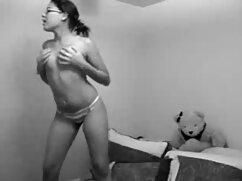 Caliente en los estantes chicas desnudandose de juguete masturbación