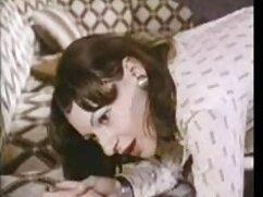 Angelina estaba xxx en español latino en el baño.