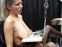 Hermana tetona diversión en el baño black porno